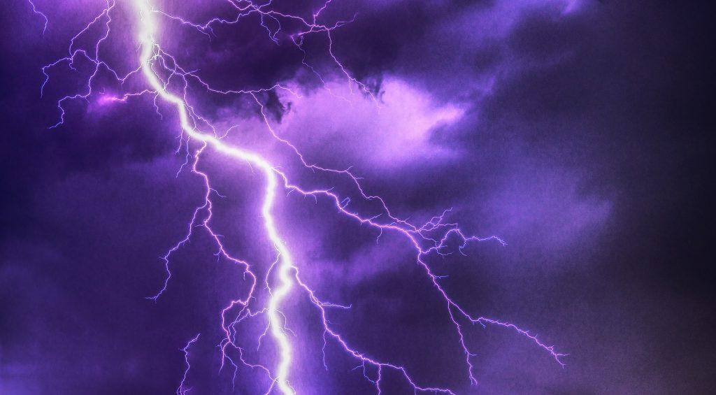 lightning-2568383_1920